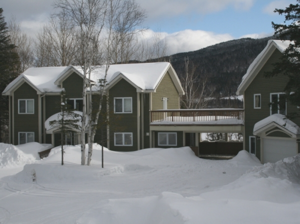 Lakeside Lodge, Lodges at Humber Valley Resort, Winter