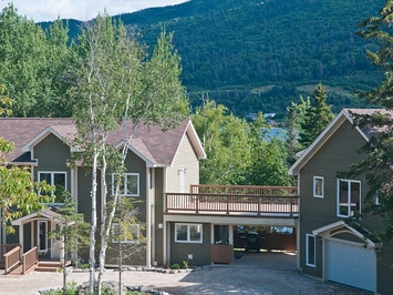 Lakeside Lodge, Lodges at Humber Valley Resort, Summer